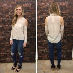 ALL THAT GLITTERS TOP - $21 #springfashion #spring  #fashionista #shoplocal #aldm #apricotlaneboutique #apricotlanedesmoines #shopaldm #desmoines #valleywestmall #fashion #apricotlane #newarrival  #shopalb  #ootd #westdesmoines  #shopapricotlaneboutiquedesmoines #ontrend