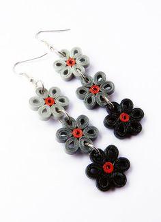 Paper flowers earrings black/gray/red por VasariahCreations en Etsy
