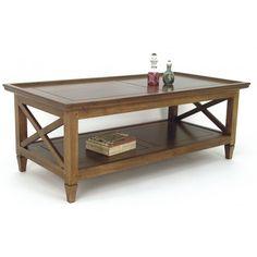 Ravivez votre ambiance en adoptant la très élégante table basse en bois massif Maori! Bibliothèques fermées à prix compétitifs chez Pierimport !