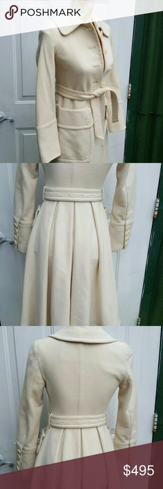 Burberry ivory fitted wool coat Beautiful Burberry ivory fitted wool coat  Made in Italy  size US2 EU36  in great condition Burberry Jackets & Coats