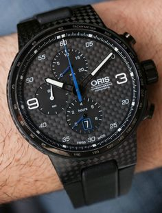 Ariel Adams goes Hands-On with the Oris Williams Chronograph Carbon Valtteri Bottas. Limited edition of 770 pieces in honor of the Finnish driver who is on the Williams F1 team. Carbon fiber case + dial and much more....