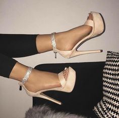 Discover recipes, home ideas, style inspiration and other ideas to try. Fancy Shoes, Pretty Shoes, Cute Shoes, Homecoming Shoes, Prom Shoes, Cute High Heels, Shoe Boots, Shoes Heels, Aesthetic Shoes