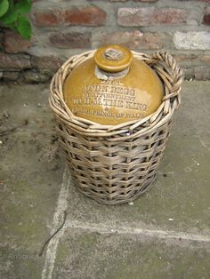 Beer Bottles, Old Bottles, Ceramic Jars, In Vino Veritas, Wine Recipes, Whisky, Crock, Stoneware, Drinking