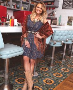 Miranda Lambert discusses her fashion line Idyllwind, which was named after her horse. Country Girl Style, Country Girls, Country Music, Country Singers, Miranda Lambert Photos, Miranda Lambert Hair, Western Chic, Western Wear, Fashion Line