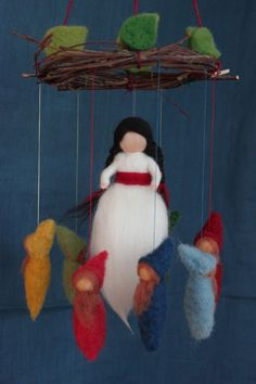 An enchanting Mobile with Snow White very tender in white with long braids … - New Haus Dekoration Arts And Crafts For Adults, Crafts For Kids, Diy And Crafts, Waldorf Crafts, Waldorf Toys, Felt Mobile, Newborn Toys, Felt Fairy, Homemade Toys