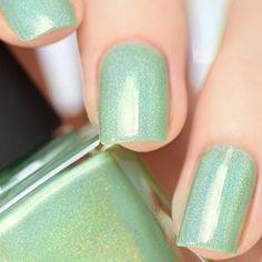 Amazon.com : ILNP Princeton - Refined Mint Green Holographic Nail Polish : Beauty