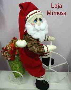 Papa Noel en bicicleta Christmas Humor, Christmas And New Year, Christmas Crafts, Diy Christmas Decorations Easy, Holiday Decor, Felt Crafts, Diy And Crafts, Felt Snowman, Operation Christmas Child
