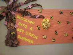 like the bee hive Summer Bulletin Boards, Birthday Bulletin Boards, Preschool Bulletin Boards, Classroom Crafts, Classroom Fun, Summer Door Decorations, Ra Boards, Bullentin Boards, Teacher Boards
