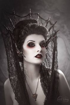 Model: La Esmeralda Photo by Lilif Ilane Artwork Crown: Freckles Fairy Chest Jewelry: DesignsBloom Lenses: PinkyParadise - Largest Circle Lens Store Welcome to Gothic and Amazing...