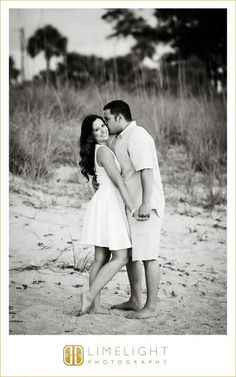 Limelight Photography, www.stepintothelimelight.com, Engagement, Fort Desoto, Florida, Photography, Beach, Black and White, Kiss