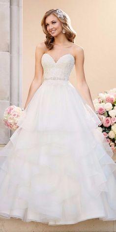 Vestido de noiva em corte princesa