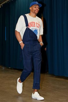 82 Flavors of Russell Westbrook - Every outfit the Oklahoma City Thunder star wore in Nba Fashion, Sneakers Fashion, Fashion Vest, Modest Fashion, Fashion Boots, Fashion Clothes, Mode Streetwear, Streetwear Fashion, Outfits Hombre