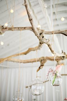 Natural décor is luxurious and fits every wedding theme and season. Today I'd like to inspire you with a whole bunch of adorable décor ideas with driftwood. Driftwood is amazing, first of all, for beach weddings but you can also. Seaside Wedding, Floral Wedding, Beach Weddings, Rustic Weddings, Driftwood Wedding, Wedding Reception Decorations, Backdrop Wedding, Marquee Wedding, Wedding Table