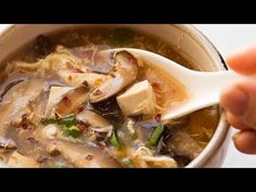 Savoury, spicy, sour and hearty, Hot and Sour Soup is completely addictive! This recipe stacks up to the best Chinese restaurants. Great healthy mushroom soup recipe, with just 216 calories in Hot and Sour Soup (for a BIG bowl! Mushroom Soup Recipes, Best Soup Recipes, Healthy Soup Recipes, Crockpot Recipes, Chicken Recipes, Chinese Corn Soup, Chinese Bowls, Slow Cooker Lentils, Hot And Sour Soup