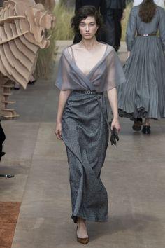 Christian Dior Fall 2017 Couture Collection Photos - Vogue