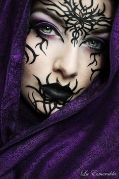 A range of Halloween costume, makeup, and stuff ideas to take you from thrill to spill - sexy to scary - silly to strange and everything in between. Naughty or… Scary Halloween Costumes, Halloween Makeup Looks, Up Halloween, Adult Costumes, Costume Zombie, Vintage Halloween, Witch Makeup, Sfx Makeup, Makeup Art