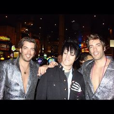 All aboard the #TBT train. Fashion misfits a plenty with @mrsilverscott and @mrdrewscott