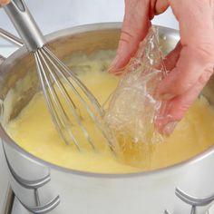 Das Gelieren macht aus Flüssigkeit eine schnittfeste Masse und kommt in der herzhaften Küche ebenso zum Einsatz wie bei Desserts.