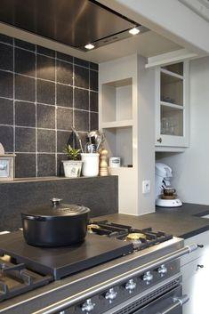 Een sfeerimpressie van de mogelijkheden van klassieke keukens bij Verkade Keukendesign in Kwintsheul.