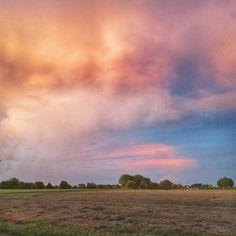 Good Morning and Happy Friday East Texas!  Photo taken in Van Zandt County by @txmbirdie.
