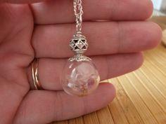 Glasketten - °°° Pusteblume Kette °°° - ein Designerstück von Mirakel1807 bei DaWanda Pearl Earrings, Drop Earrings, Pearls, Jewelry, Fashion, Neck Chain, Flowers, Moda, Pearl Studs