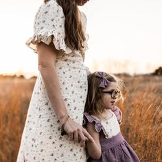 Our dreamy Flutter Dress in Lavender Linen is a dream come true for every little girl. Beautiful lightweight linen in soft lavender twirls beautifully as she frolics freely. Maternity Poses, Maternity Pictures, Spring Photography, Family Photography, Maternity Photography, Little Girl Photos, Mother Daughter Photography, Family Picture Outfits, Sweet Dress