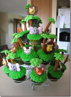 jungle party cupcakes