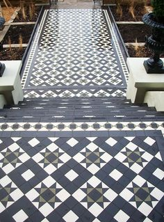 Tiled steps and path.Tiled steps and path. Victorian Front Doors, Victorian Porch, Victorian Tiles, Victorian Hallway, Front Path, Front Door Steps, Porch Steps, Porch Tiles Uk, Porch Uk