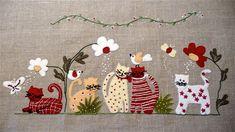 Felt kittens in application Hand Applique, Wool Applique, Applique Patterns, Applique Quilts, Quilt Patterns, Felt Crafts, Fabric Crafts, Applique Tutorial, Felt Embroidery