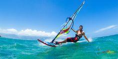 Los deportes acuaticos son muy populares en Puerto Rico. Deportes acuaticos como el windsurf y el surf son muy comunes porque Puerto Rico es circa del oceano, lagos y rios. Estas aguas son lugares perfectos para hacer deportes acuaticos.