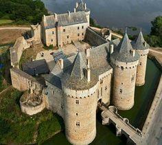 Suscinio Castle | Sarzeau, Morbihan, Brittany | via Wonderful Castles In the World on Facebook