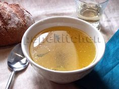 Caldo de pollo casero World Recipes, Gluten, Pudding, Cooking, Desserts, Freedom, Dairy, Food, Tv