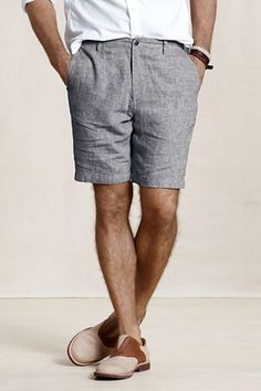 Summer outfits are incomplete without shorts. So guys we at The Unstitchd have 10 men's shorts styles that should be part of your summer wardrobe! Short Outfits, Casual Outfits, Men's Outfits, Casual Shoes, Dress Casual, Stylish Men, Men Casual, Outfit Trends, Inspiration Mode