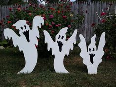 Candy Corn Vampire Bat Halloween Outdoor Wood yard art Lawn Decoration - Real Time - Diet, Exercise, Fitness, Finance You for Healthy articles ideas Halloween Wood Crafts, Outdoor Halloween, Halloween Ghosts, Diy Halloween Decorations, Spirit Halloween, Fall Halloween, Halloween Recipe, Women Halloween, Halloween Projects