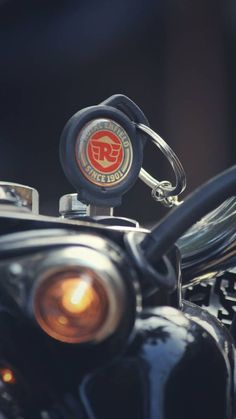 Royal Enfield Classic 350 ABS version- Ready to hit the roads. Royal Enfield Logo, Royal Enfield Classic 350cc, Enfield Bike, Enfield Motorcycle, Scrambler Motorcycle, Motogp, Royal Enfield Hd Wallpapers, Moto Wallpapers, Motocross