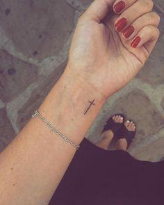 Tiny Wrist Tattoo Ideas For Women Trending dirt - Zoey M.- Tiny Wrist Tattoo Ideas For Women Trending dirt – Cross Tattoo On Wrist, Tiny Wrist Tattoos, Little Tattoos, Mini Tattoos, Trendy Tattoos, Body Art Tattoos, Simple Cross Tattoo, Wrist Tattoos Women, Tattoo Women