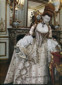 1775 robe a la francaise is from the Kyoto Institute and was photographed in Paris in the Varengeville Room.