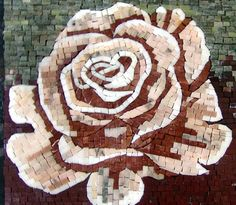 El acento de mosaico de flores Rosa