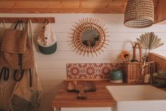 Bus Living, Tiny House Living, Home And Living, Indie Living Room, T4 Camper Interior Ideas, Van Interior, Camper Ideas, Caravan Home, Kombi Home
