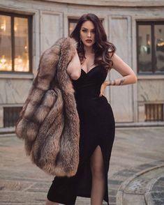 Sublime Creature, Fur Coat Fashion, Fox Fur Coat, Fur Coats, Pinup Girl Clothing, Elegant Outfit, Sexy Outfits, Beauty Women, Womens Fashion