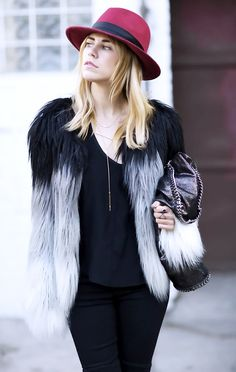 The+Celebrity-Approved+Necklace+You+Can+Wear+With+Everything+via+@WhoWhatWear