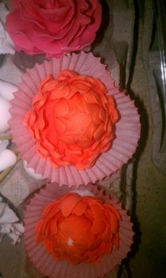 #wiltoncontest / Course 3 /  More Flowers in Fondant, roses, and others!  The classes were at Hobby Lobby, Denton,  TX