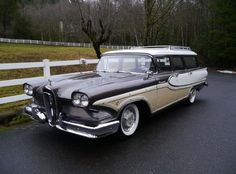 1958 Edsel Bermuda Wagon // Holy smoke. I've never seen one before, either, and I've seen a LOT of cars!