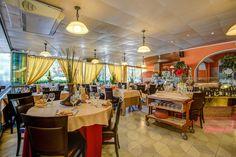 Il ristorante Aragosta è dei locali più quotati a Milano Marittima per quanto riguarda il pesce. Guarda dentro i suoi interni con Google Maps Business View