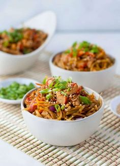 Sesame chicken egg roll in a bowl peace love and low carb. Chicken Egg Rolls, Chicken Eggs, Low Carb Chinese Food, Chinese Recipes, Asian Recipes, Best Meal Prep, Easy One Pot Meals, Sesame Chicken, Cashew Chicken