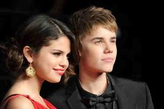 Justin Bieber Waiting For Selena Gomez To Confirm Theyre Officially Dating?