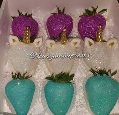 Ideas Chocolate Covered Strawberries Ideas Vodka For 2019 Chocolate Covered Treats, Chocolate Dipped Strawberries, Unicorn Party, Unicorn Birthday, Gourmet Candy Apples, Blackberry Syrup, Strawberry Dip, Strawberry Ideas, Strawberry Desserts