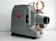 El proyector que se usaba para ver las filminas.