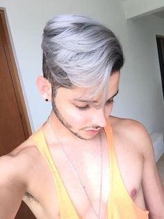 Platinum , hair