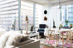 What a view Boho Living Room, Home Living, Living Room Sofa, Dream Apartment, Apartment Interior, Apartment Living, Interior Design Chicago, Decor Interior Design, Interior Ideas